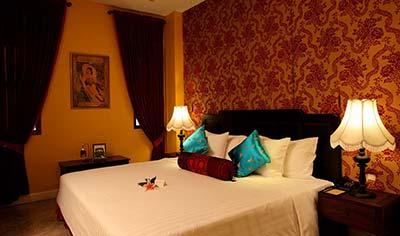Shanghai Mansion hotel room in Rattanakosin, Bangkok