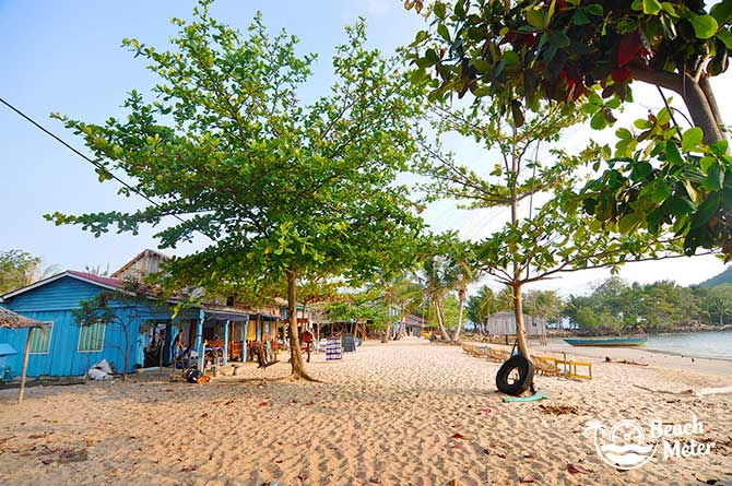 Idyllic beach village in Cambodia. © Beachmeter.com