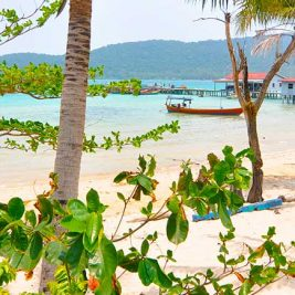 Beach view of M'Pay Bay Village on Koh Rong Samloem, Cambodia. © Beachmeter.com
